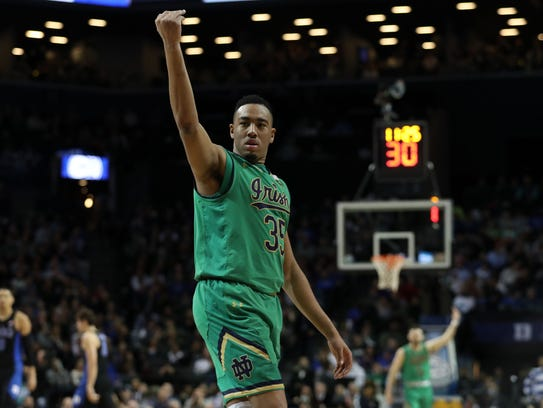 Notre Dame Fighting Irish forward Bonzie Colson (35)