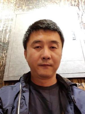 Kang Chol-hwan is seen.