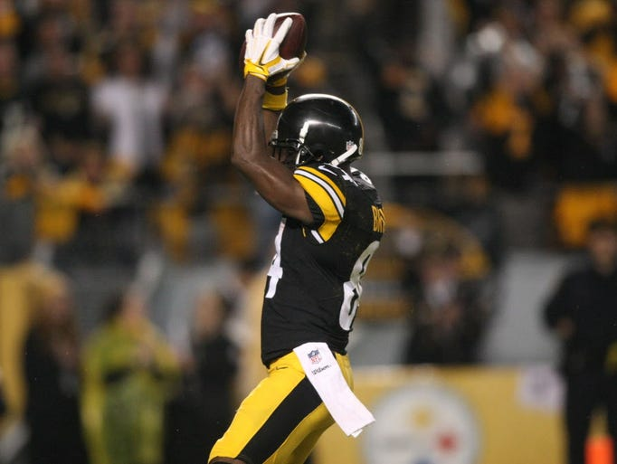 Steelers wide receiver antonio brown celebrates after