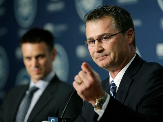 Scott Servais, right, was introduced as the new manager of the Seattle Mariners baseball team by general manager Jerry Dipoto on Oct. 26, 2015, in Seattle.