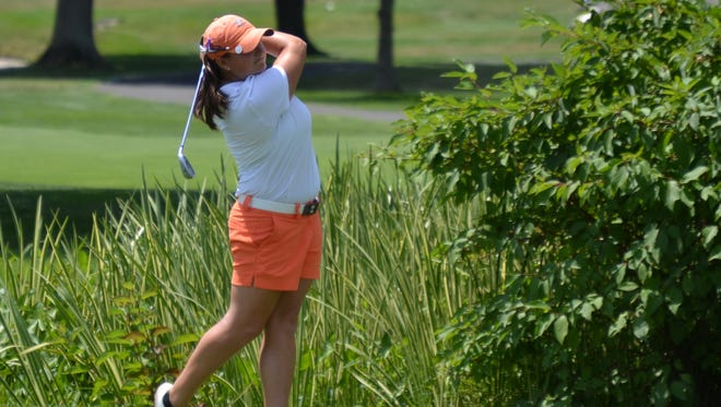 Alexis Hios tees off at the 16th hole at Willow Ridge on Tuesday during the final round of the Women's Met Open.