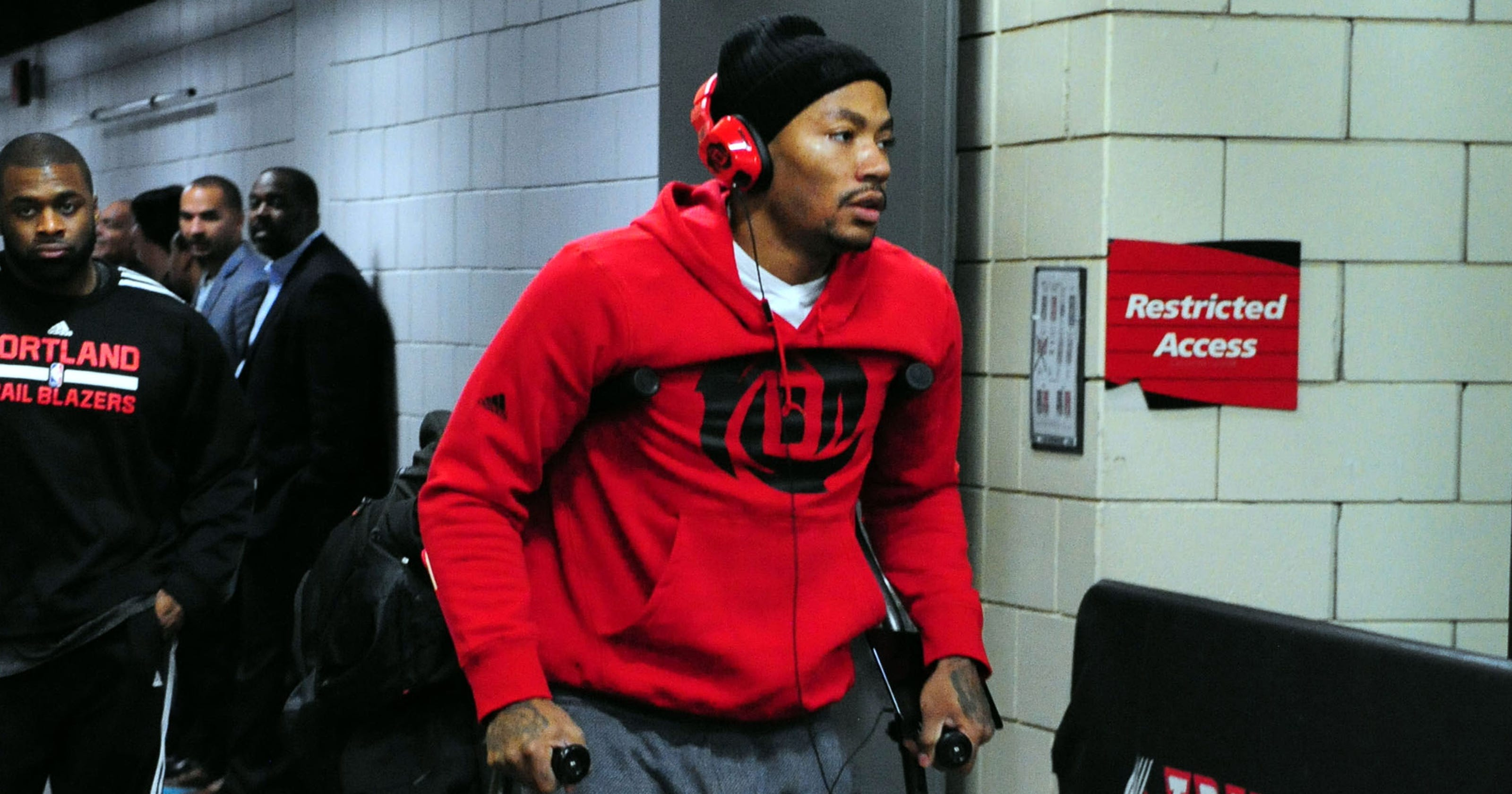 Even division rivals feel bad for Derrick Rose a3aa8673ccd
