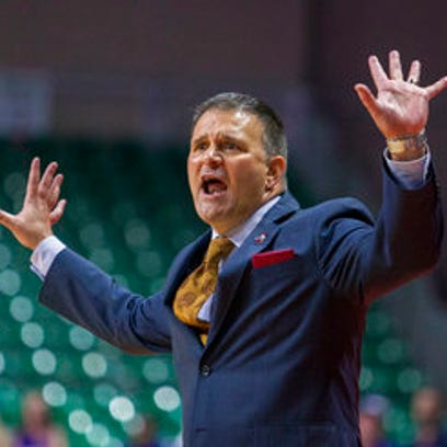 Mario Moccia focused on retaining NMSU basketball coach Chris Jans