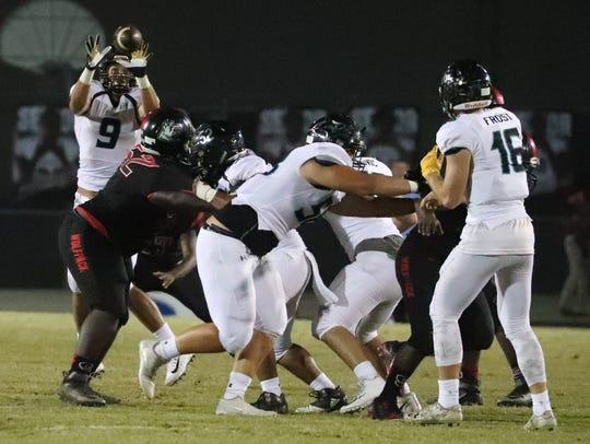 Gulf Coast quarterback, Kaden Frost, completes the