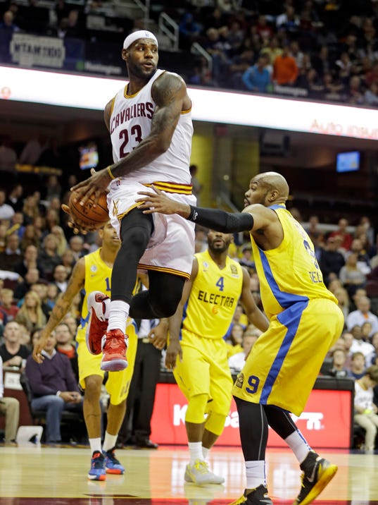 MNCO 1008 LeBron wants players to get fair share of NBA TV deal.jpg