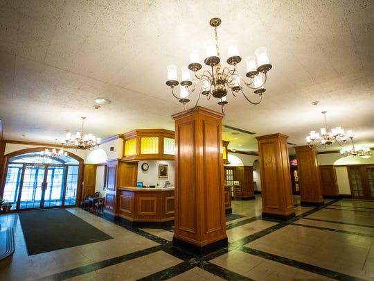 des.b0208 Hotel Fort Des Moines Renovation