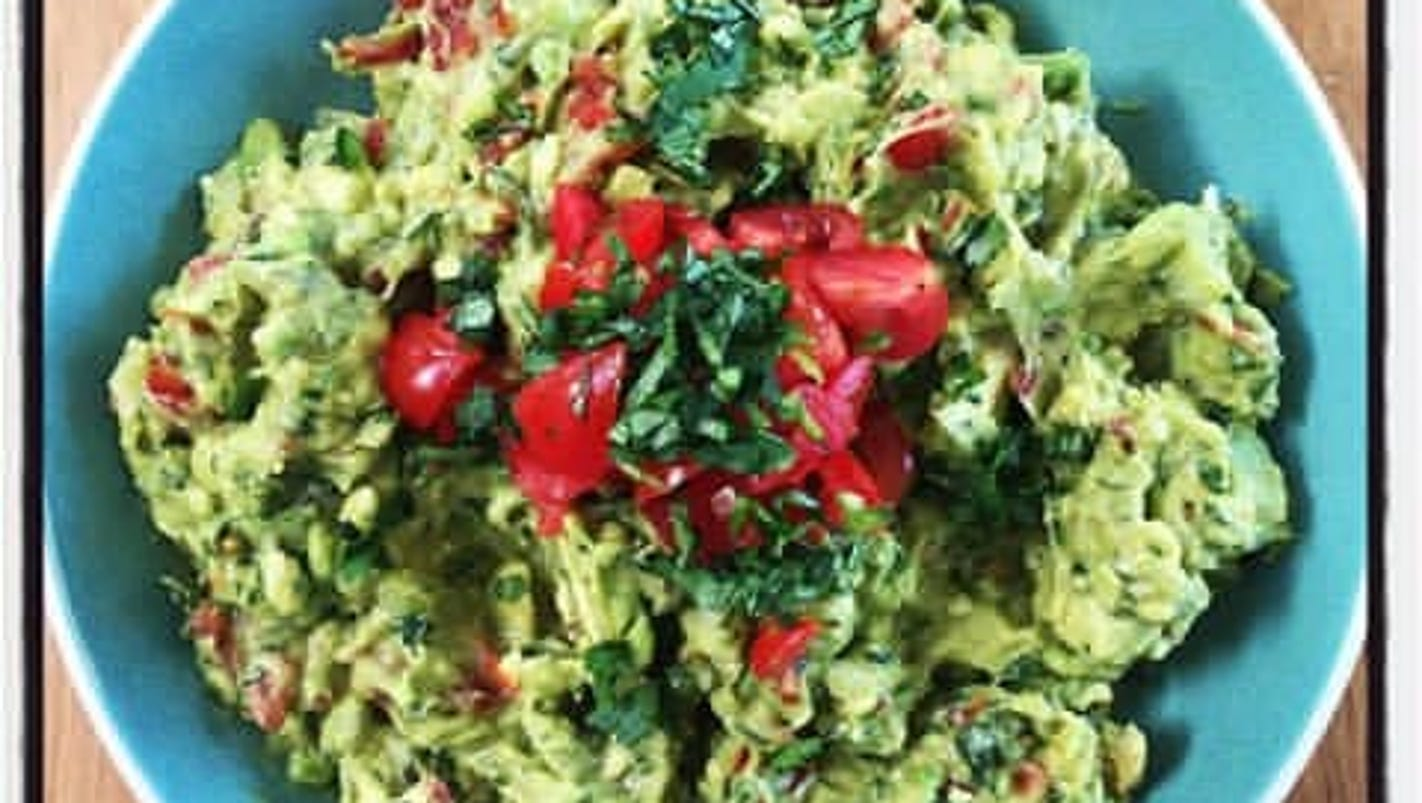 Get ready for the Super Bowl with this guacamole recipe