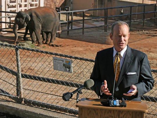 Oklahoma City Mayor Mick Cornett  speaks at a health