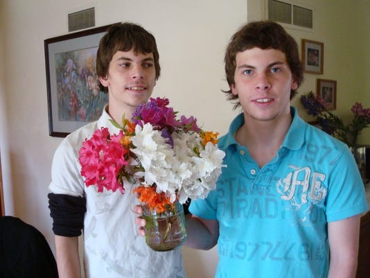 636287128967734228-cody-chandler-flowers.jpg