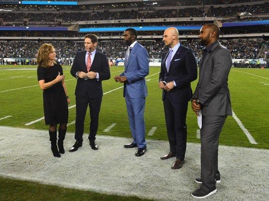 """ESPN's """"Monday Night Countdown"""" crew won't just report from inside Lambeau Field for the Packers-Lions game, they'll also do a special 75-minute """"tailgate hour"""" with fans outside the stadium. Suzy Kolber hosts along with, from left, Steve Young, Randy Moss, Matt Hasselbeck and Charles Woodson."""