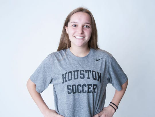 Jenna Kemp returns for her senior year in 2018 as Houston looks to build off an amazing soccer season.