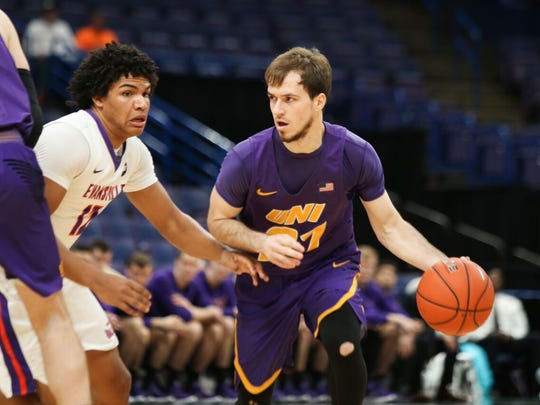 UNI guard Hunter Rhodes looks to drive during Thursday's game against Evansville at the MVC Tournament in St. Louis.
