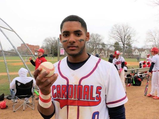 636600866290107740-Baseball-Waldy-Arias-holding-ball.jpg
