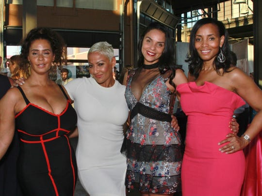Lisa Mills, Sydni Jones, Sabra Evans, Gina Coleman