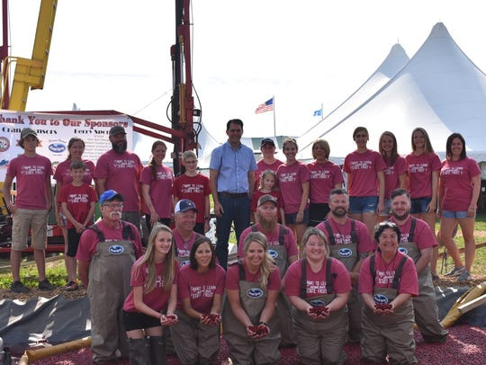Gov. Scott Walker joins Wisconsin cranberry growers