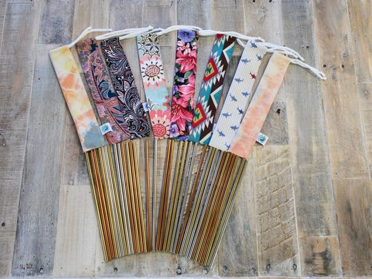 Vintage fabric Straw Bags, to always be prepared.