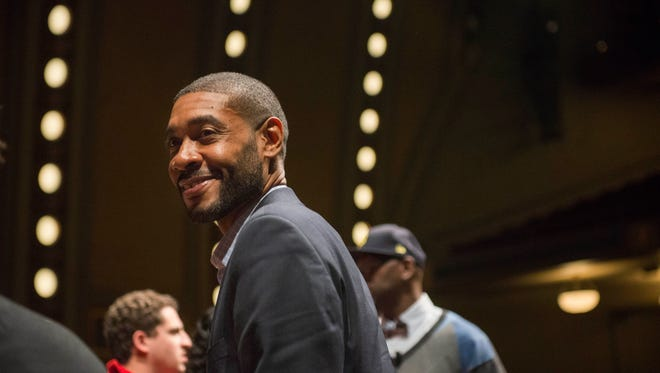 """Jimmy King told the Michigan football team to """"be comfortable being uncomfortable."""""""