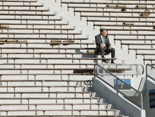 Mark Dantonio alone Notre Dame