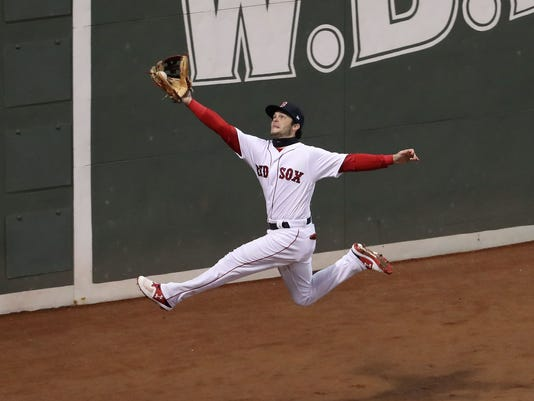 USP MLB: WORLD SERIES-LOS ANGELES DODGERS AT BOSTO S BBA BOS LAD USA MA