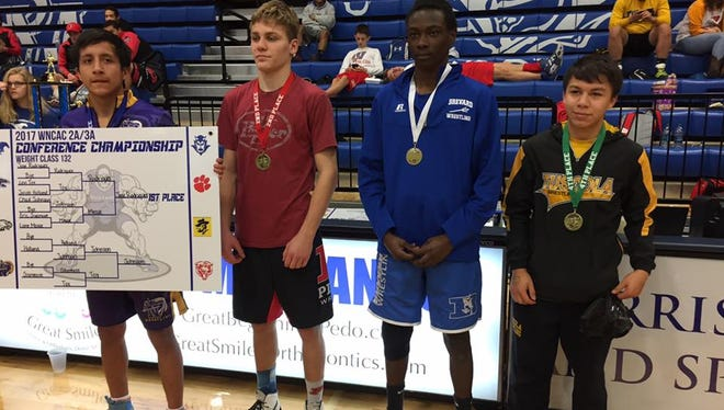 Placers in the 132-pound weight class.