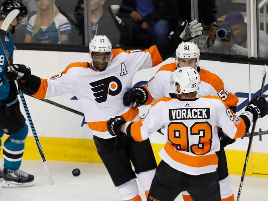 wayne simmonds gets flyers first ever opening day hat trick