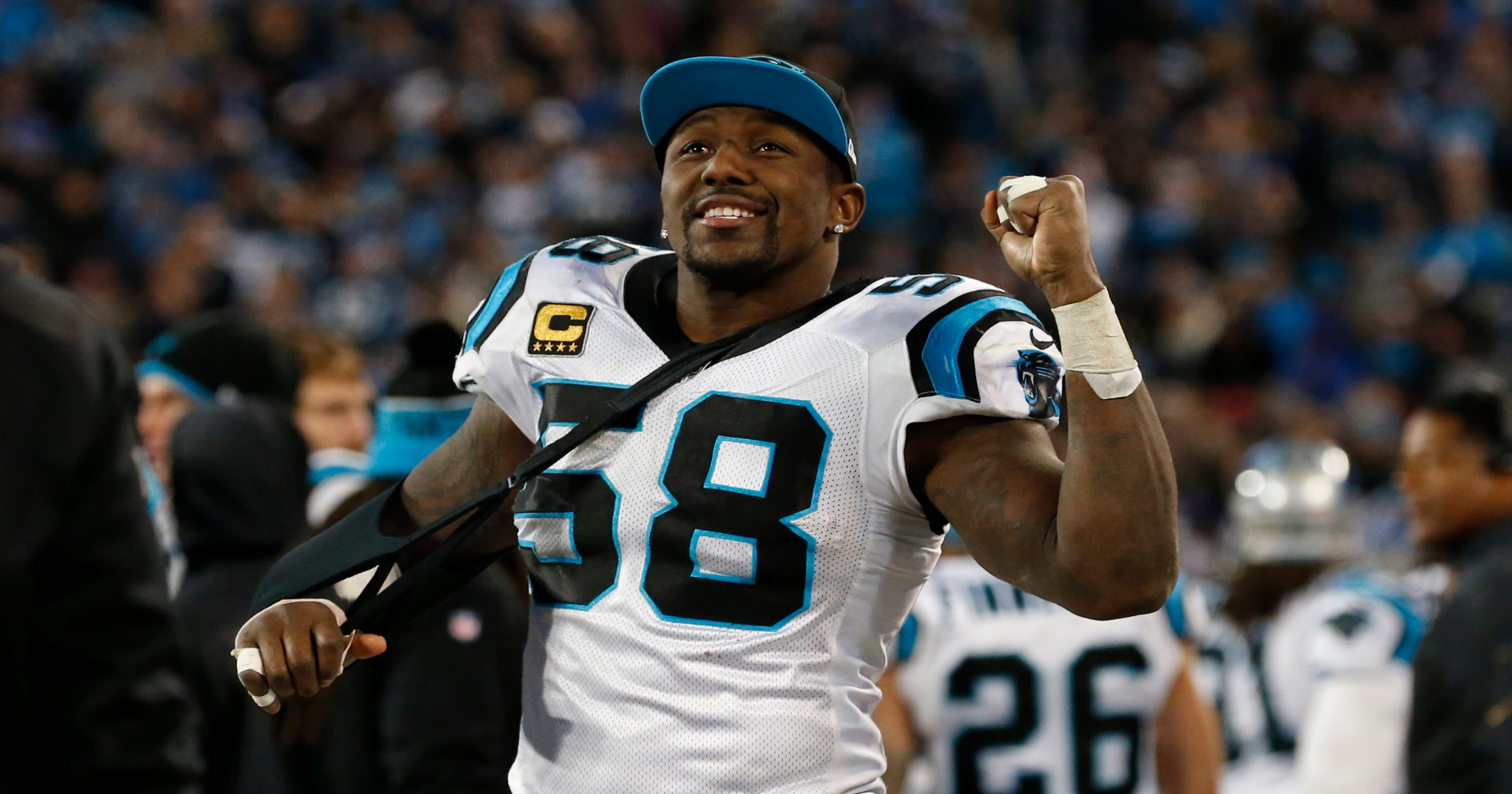 26fda0433 Thomas Davis pledges to play in Super Bowl 50 despite broken arm