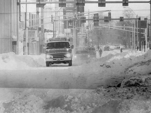 SNOW CAM: Pendleton, Indiana - YouTube  Muncie Snow