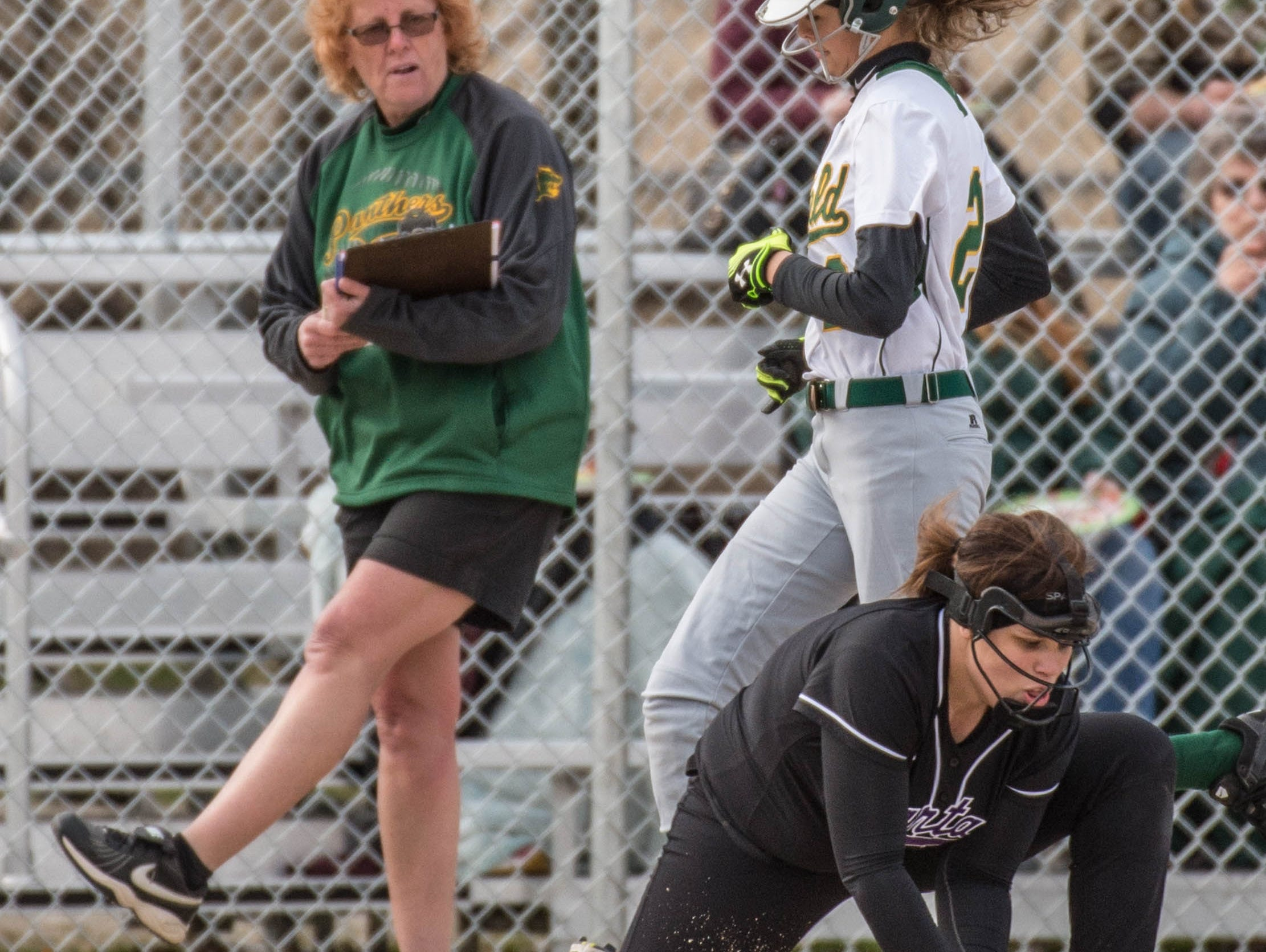 Pennfield's Alexa Stephenson (2) makes it to first base during a recent game against Lakeview.