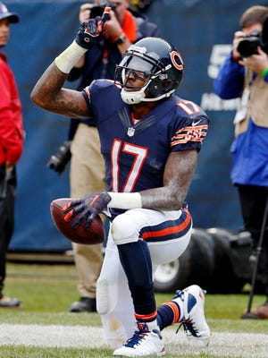 WR Alshon Jeffery caught 304 passes in five years with the Bears.