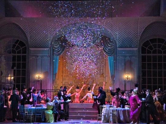 """""""Die Fledermaus"""" opens Cincinnati Opera's 2016 summer"""