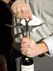 Hinged waiter's corkscrew.
