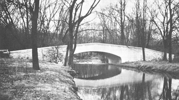 Hall-Farm-bridge