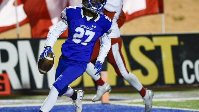 Estacado's Antwoine Jones (27) runs the ball in for a touchdown during the Class 4A, Division II bi-district game against Sweetwater on Nov. 15, 2019, at PlainsCapital Park at Lowrey Field.