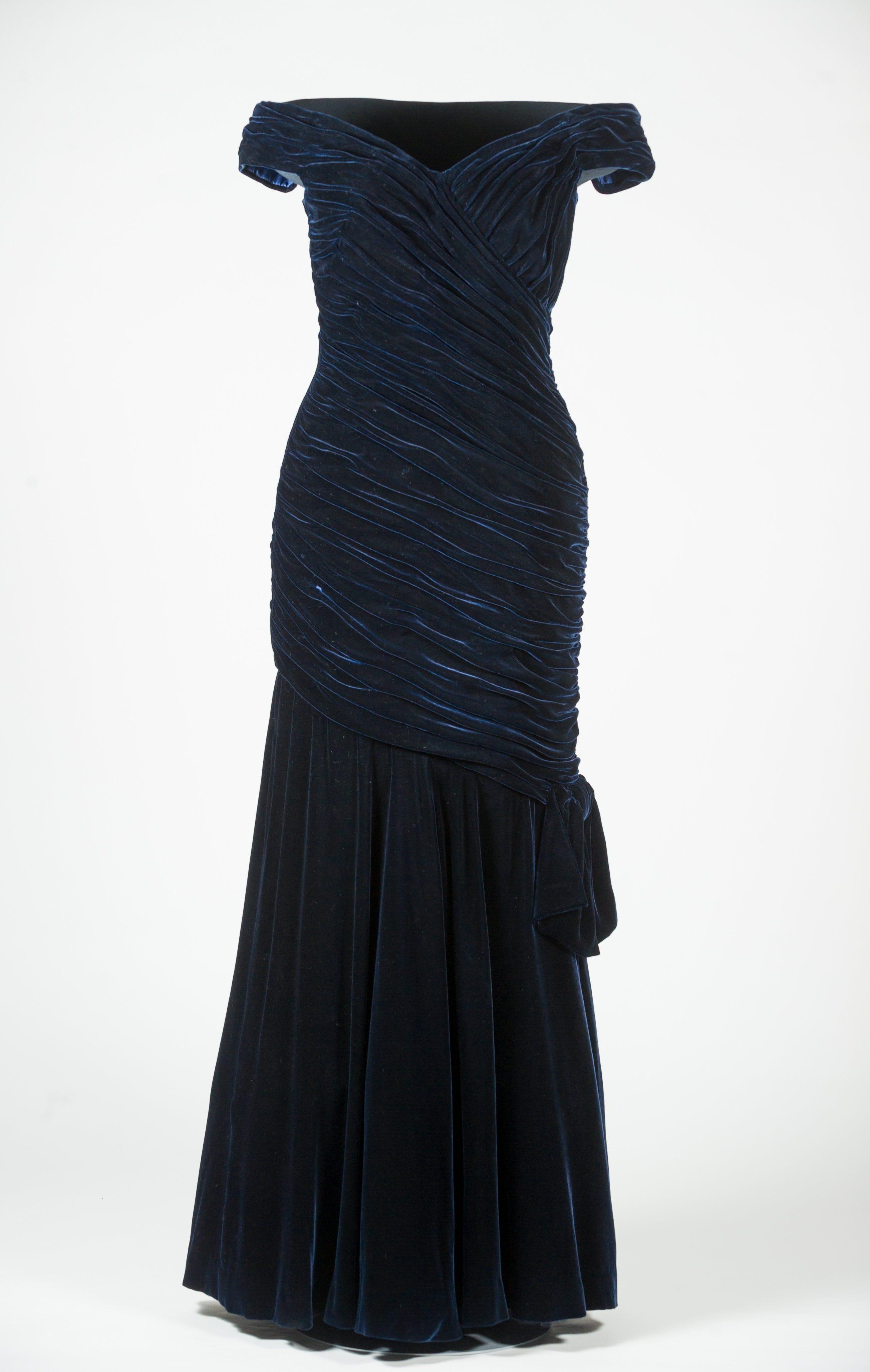 Blue dress delta 583