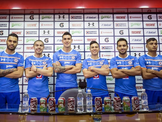 Cruz Azul presentó a sus 6 refuerzos para el Apertura