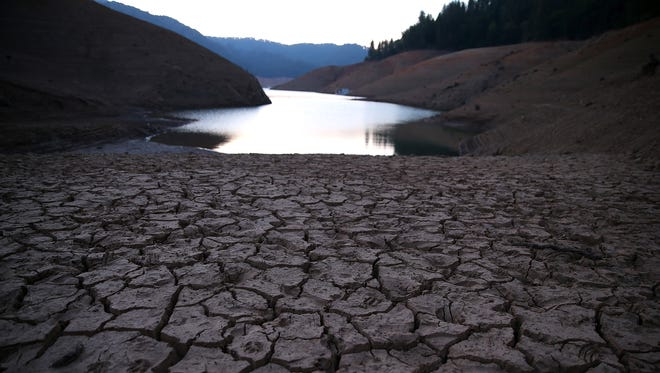"""As the severe drought in California continues, the state has turned into a """"water cop."""" Arizona must avoid the same fate."""
