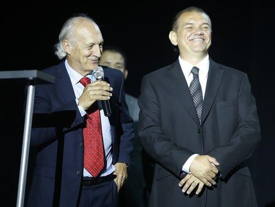 Héctor Hugo Eugui (izquierda) entrenador de los Coyotes