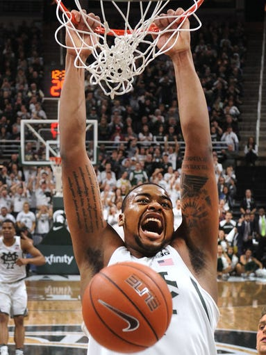 Spartan freshman Nick Ward makes his second huge dunk