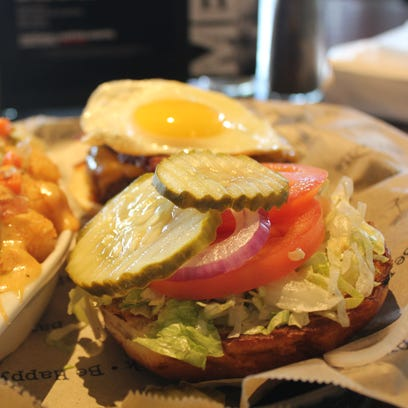 Knight-time Cravings: UCF-area burger joints