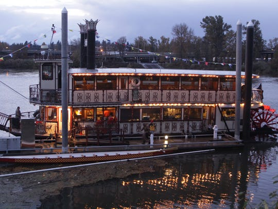 The Willamette Queen is hosting an annual new toy and canned food drive excursion cruise.