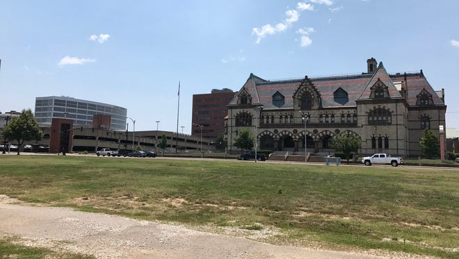 The city wants a major development at vacant lot it owns in Downtown Evansville. The lot is three-fourths of a city block at Second, Vine, Third and Sycamore streets.