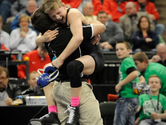 STC 0301 1A Wrestling.jpg