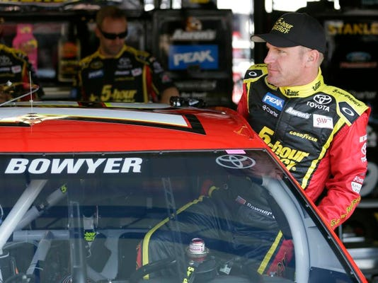 0425 NDS USAT NASCAR Richmond Preview wires H