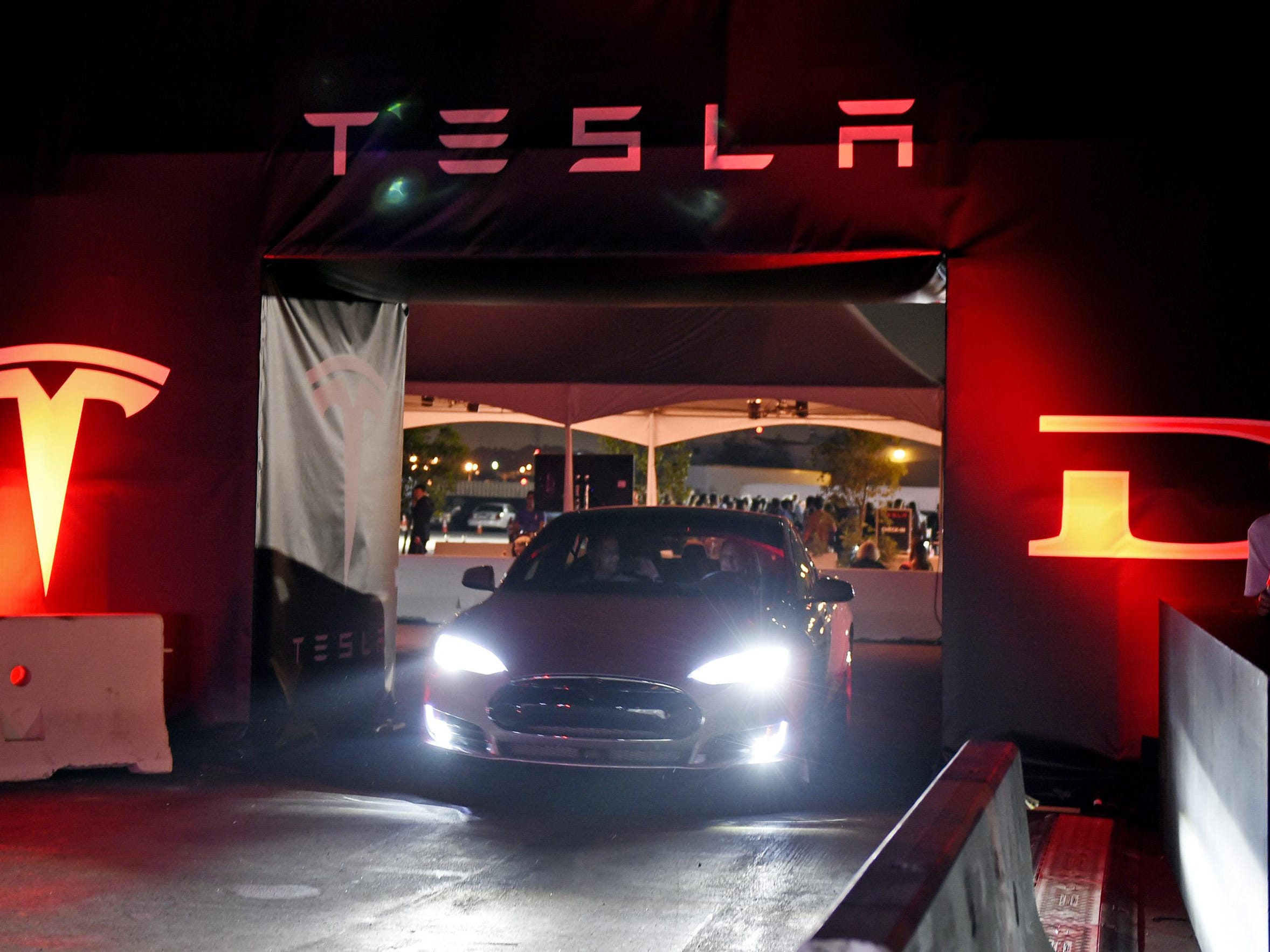 Tesla Motors started taking pre-orders on its $35,000