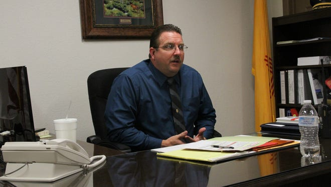 Alamogordo Police Department Chief Daron Syling took the departments helm on Monday after being sworn in by Municipal Judge Steven O. Lee.