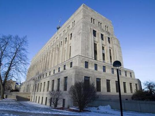 635804481642676126-courthouse