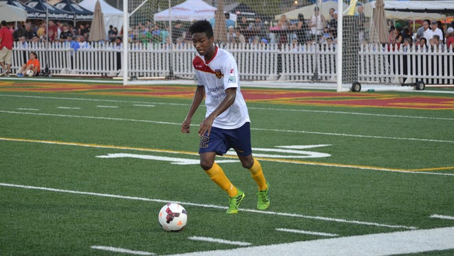 Arizona United SC's London Woodberry scored the team's lone goal in its 5-1 loss to the Seattle Sounders reserves Monday at Starfire Soccer Complex in Seattle.