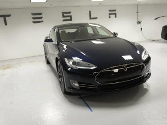 636362460247317618-Tesla.jpg