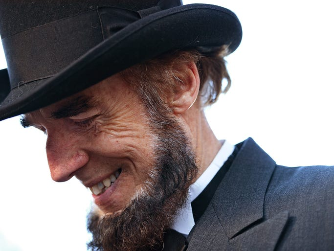 Tom Scott portrays Abraham Lincoln. The Gettysburg Address highlighted principles of democracy, human equality and freedom.