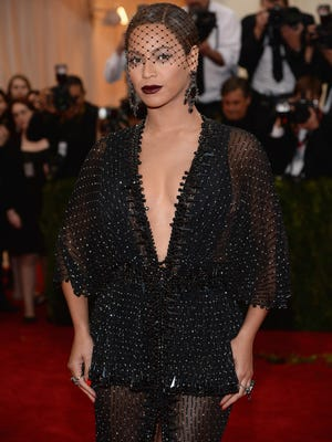 """NEW YORK, NY - MAY 05:  Beyonce attends the """"Charles James: Beyond Fashion"""" Costume Institute Gala at the Metropolitan Museum of Art on May 5, 2014 in New York City.  (Photo by Dimitrios Kambouris/Getty Images) ORG XMIT: 488636577 ORIG FILE ID: 488408775"""